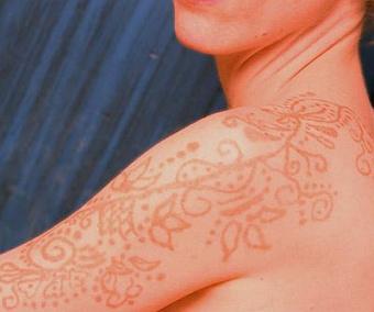 Tatuaże z henny, Biotatuaże.