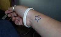 Tatuaż przeszkodą w pracy?
