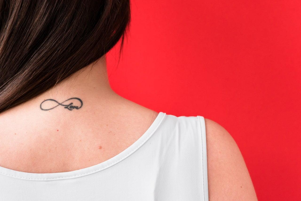 Popularny tatuaż - znak nieskończoności